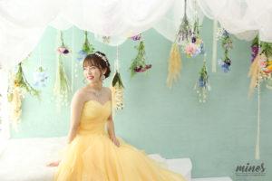 成人式前撮りドレスにチェンジができるスタジオフォトマインズ